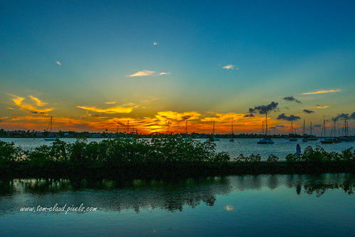 sun sunset rays water sky weather shepardspark florida landscape seascape stuart clouds river