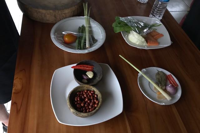 月, 2017-11-13 02:06 - Ketut's Bali Cooking Class