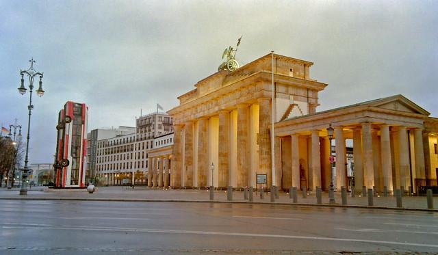 Mahnmal Aleppo Busse Brandenburger Tor 2017