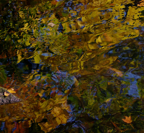 pentax k3 vbd smcpentaxda55300mmf458ed ct connecticut water newengland river reflection fallcolor pequonnockriver leaves oldminepark 2015 fall2015 handheld stonewaterlight autumn abstract