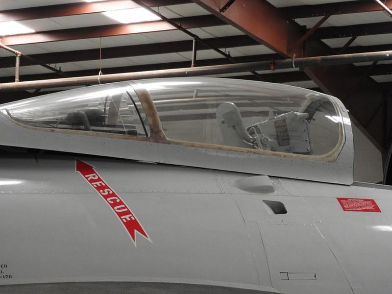 Grumman F9F6-8P Cougar 5