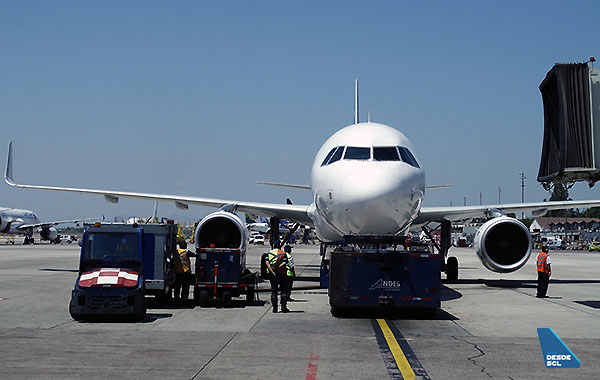 SCL plataforma A320 pushback (RD)