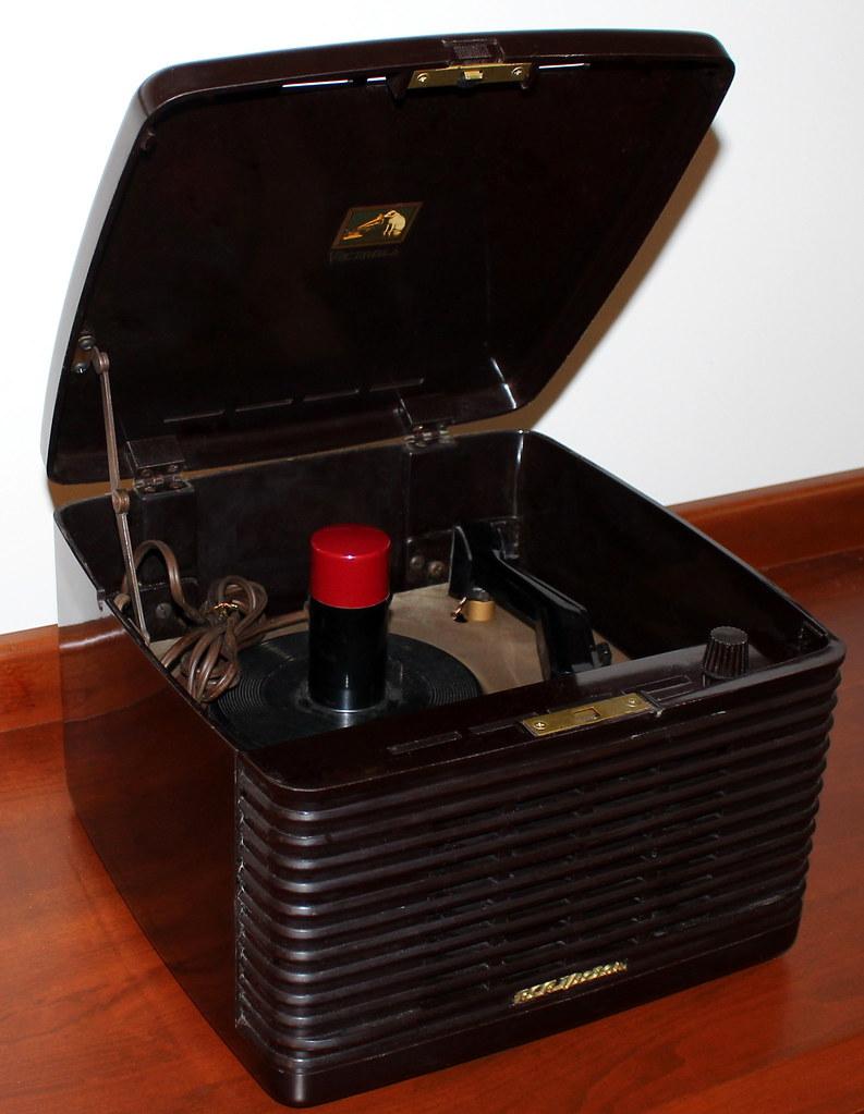 Vintage RCA Portable Record Player, Model 45-EY-3, 2 Vacuu