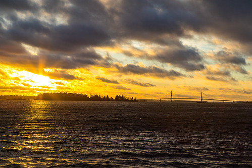 kvarken sunrise fall autumn november landscape sea seaside seashore island windy clouds cloudy sunny morning bridge raippaluoto replot finland canon eos 5d mkiv 24105