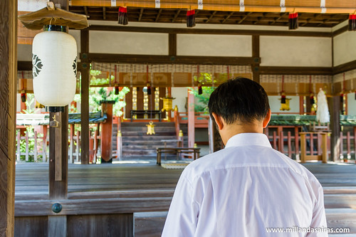 Rezando en Nara   by Millán