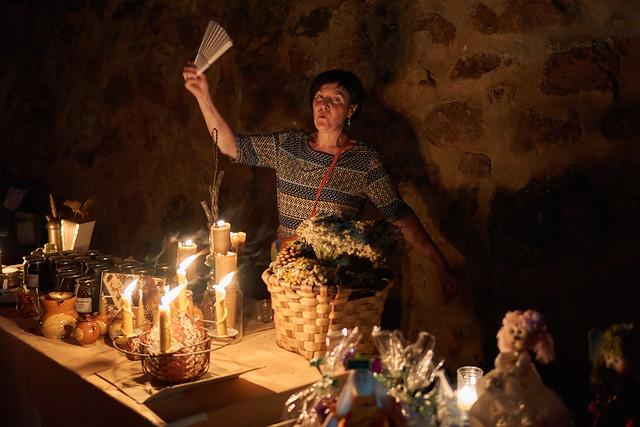 Vendiendo a la luz de las velas