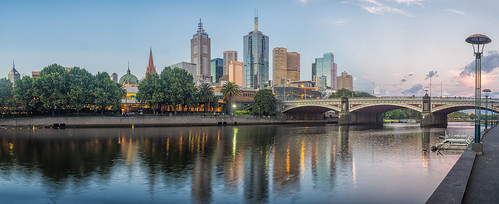 melbourne victoria australia city cityscape sunset goldenhour evening twilight panorama pano panoramic olympusem10 olympus olympusomd dusk photo microfourthirds yarra water reflection building skyscraper downtown yarrariver