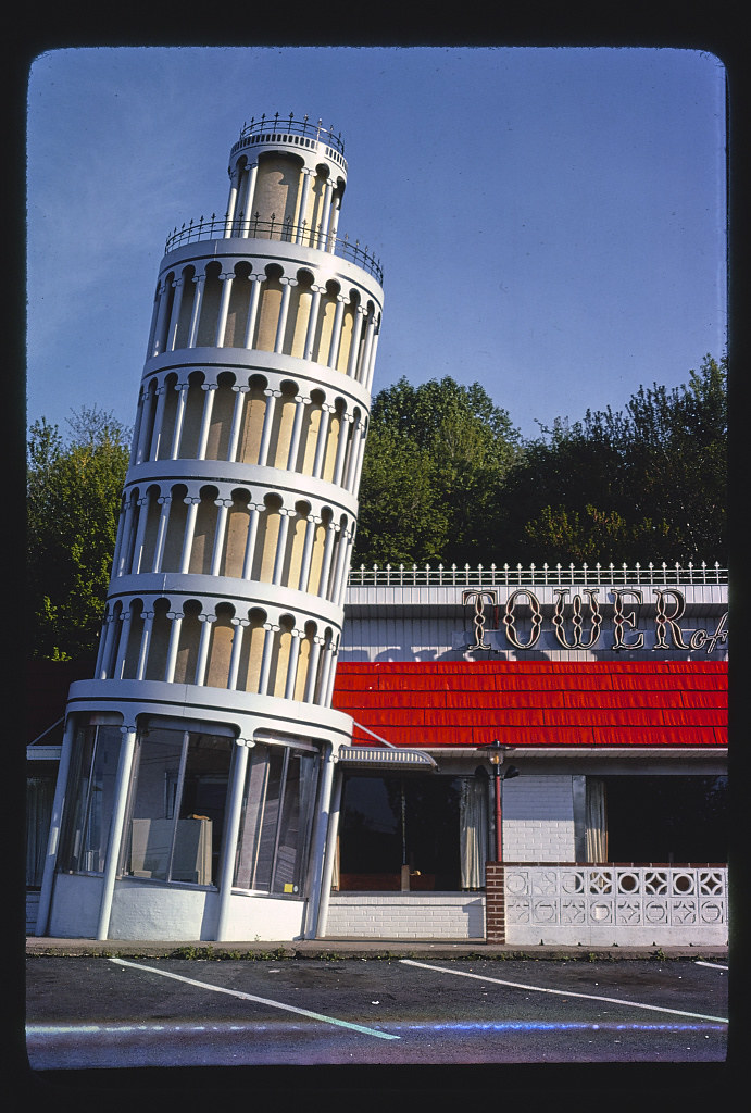 Green Brook Nj >> Tower Of Pizza Vertical View Route 22 Green Brook New Flickr