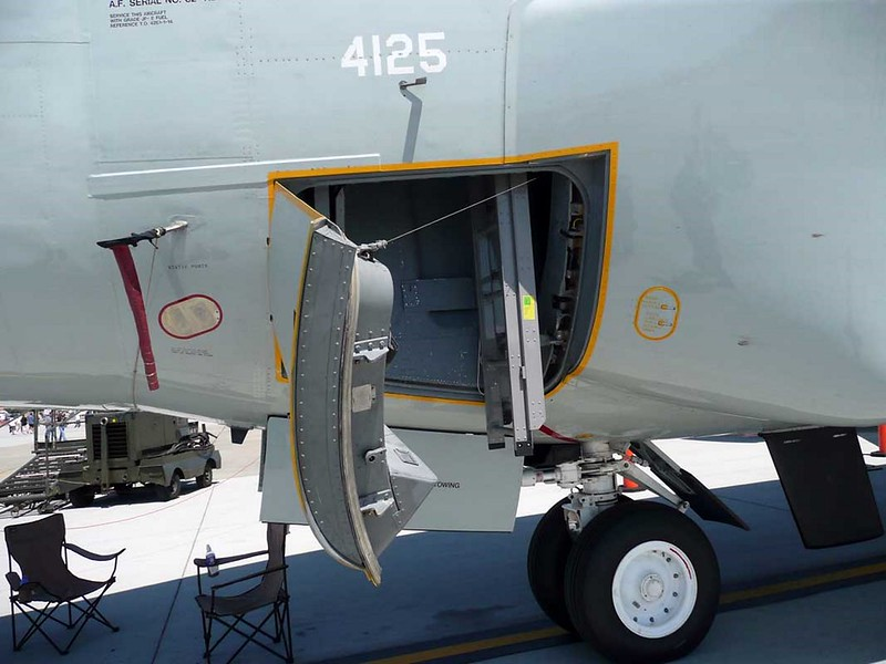 Boeing RC-135W Rivet Joint 5