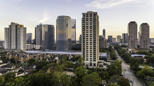 dji galleriadistrict houston phantompro4 tanglewood texas usa uptown uptownhouston aerial architecture building buildings galleriaarea image photo photograph skyscrapers f45 mabrycampbell november 2017 november42017 20171104campbelldji0015 88mm ¹⁄₁₂₀sec 100 24mm fav10 fav20