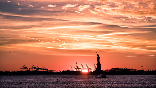 The Statue of Liberty at sunset - New York - Travel photography | by Giuseppe Milo (www.pixael.com)