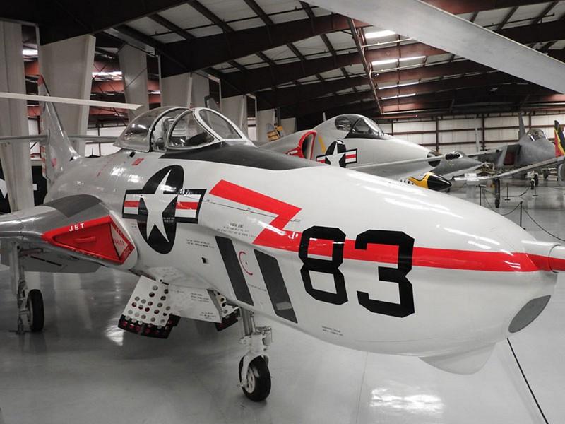 Grumman F9F6-8P Cougar 1