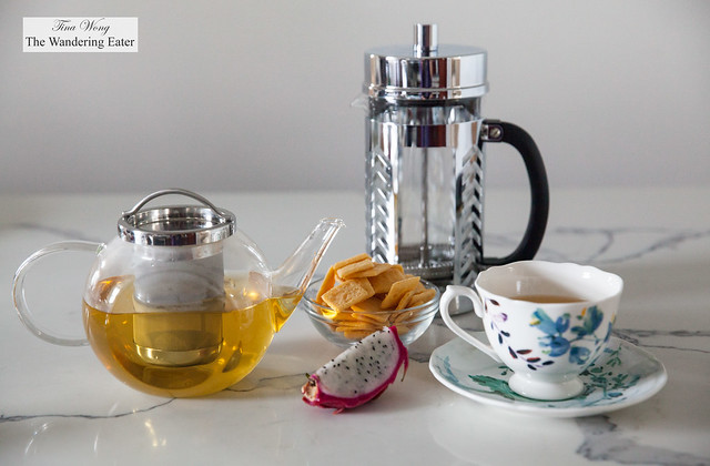 BonJour 27-Ounce Harmony Teapot and BonJour 8-Cup Chevron French Press