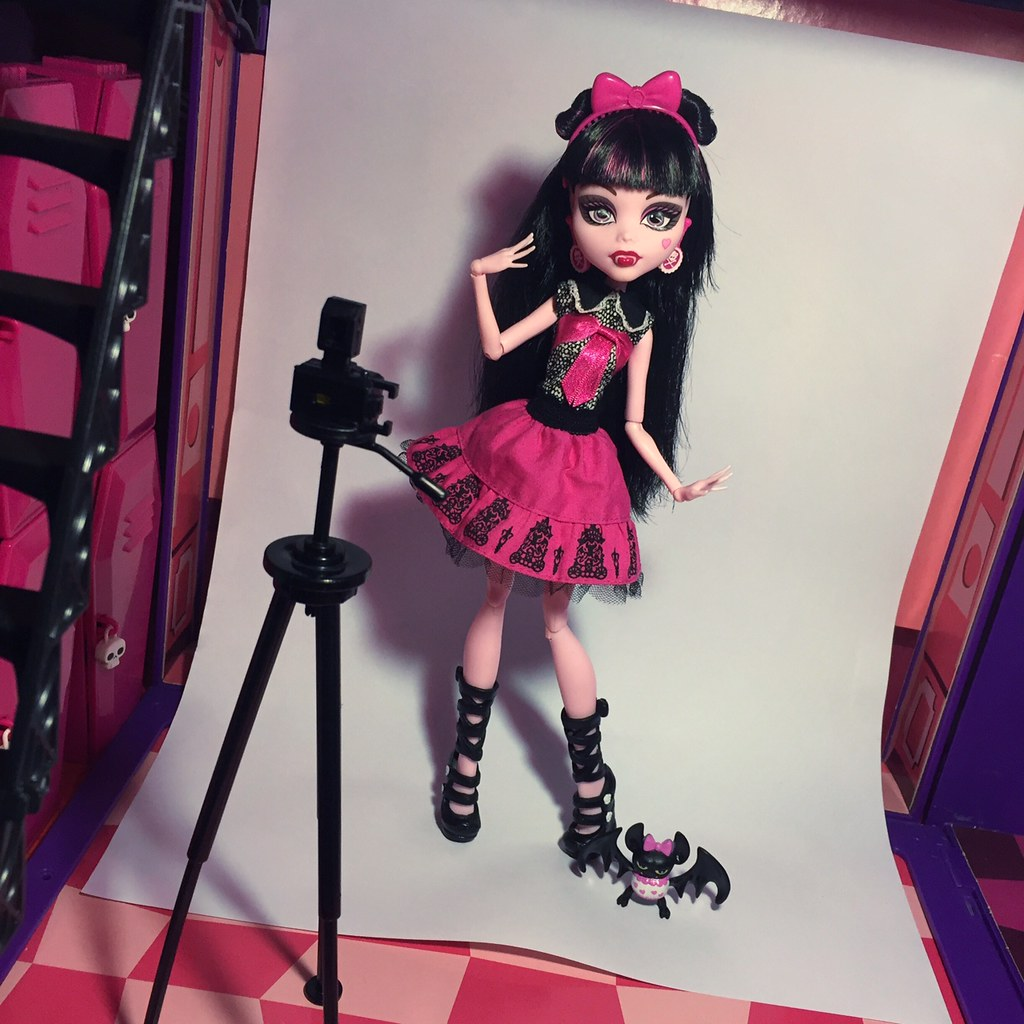 Draculaura - Picture Day (Wave 1, 2012)