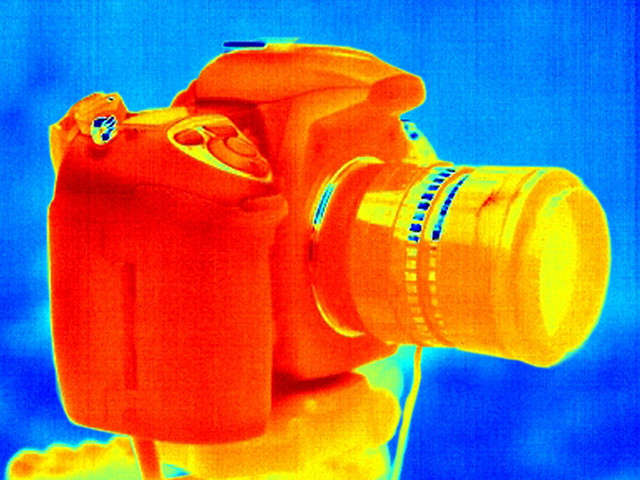 Thermal image of a DSLR camera