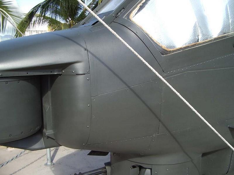 Bell AH-1S Cobra 4