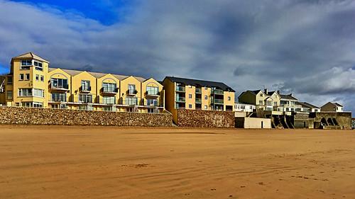 duncannonbeach beach maritime window bb wall sand sky autumn ireland irish wexford hww balcony accommodation houses bluesky iphonese