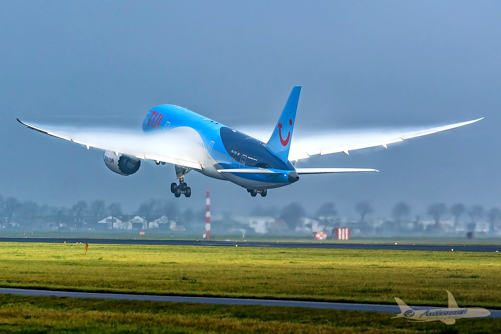 TUI Dreamliner PH-TFK Boeing B787-8 | Takeoff from the famou
