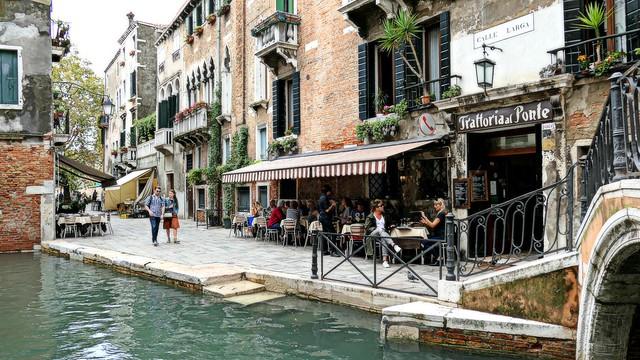 Venezia - Calle Larga