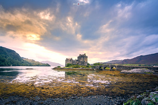 Sunset in Eilean Donan Castle   by PacoQT