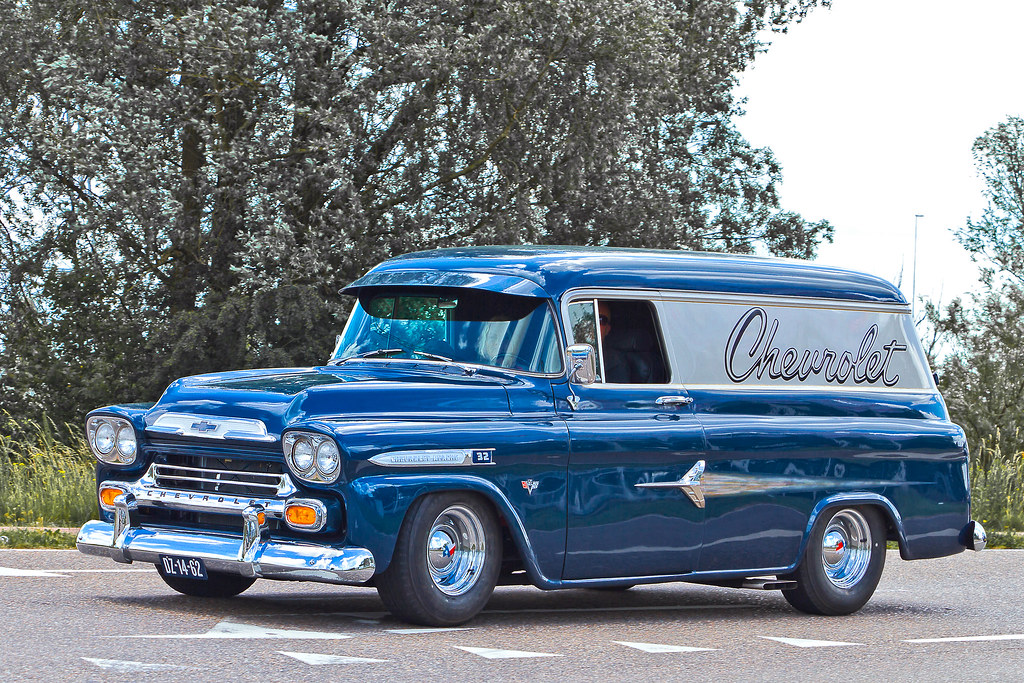 Chevrolet Apache 32 Panel Delivery 1959  2557