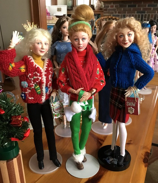 Jane, Alison and Molly (Wildflowers) dressed for the Holidays.  We'll see more of them in the Cottage for Christmas.