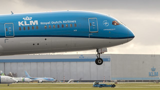 KLM 787-9 seconds from touchdown | by Nicky Boogaard