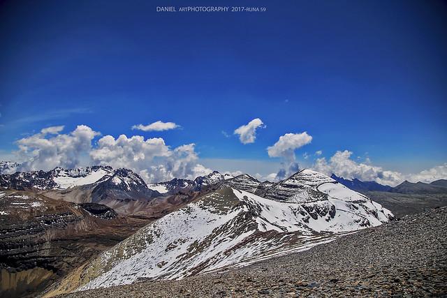 Picos y nubes