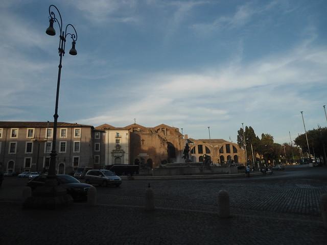 Thermae Diocletiani - Basílica de Santa María de los Ángeles y los Mártires, Plaza de la República, Roma, Italia/Piazza della Repubblica, Rome, Italy - www.meEncantaViajar.com