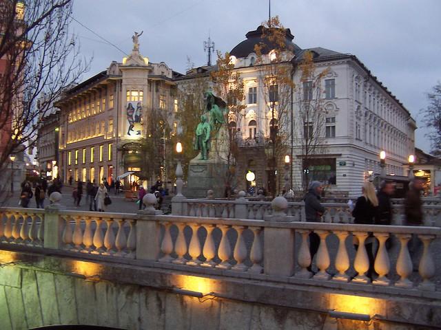 Ljubljana centre - Three Bridges at dusk