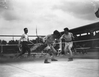 McGrath (Canada) and Pain (Belgium) boxing at the Inter-Allied Games, Pershing Stadium, Paris, France / McGrath (Canada) et Pain (Belgique) boxant lors des Jeux interalliés, stade Pershing, Paris (France)