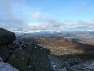 043 View northwest to Cairngorms plateau from Lochnagar first ridge | by rfidhxjn58