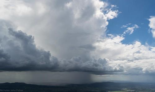 cloudscape clouds loganvalley albertvalley tamborinemountain mounttamborine view weather australianweather rain cumulonimbus sequeensland queensland australia smallstorm