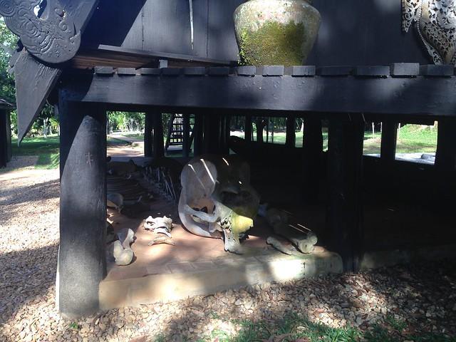 Chiang Rai: Black House / Baandam