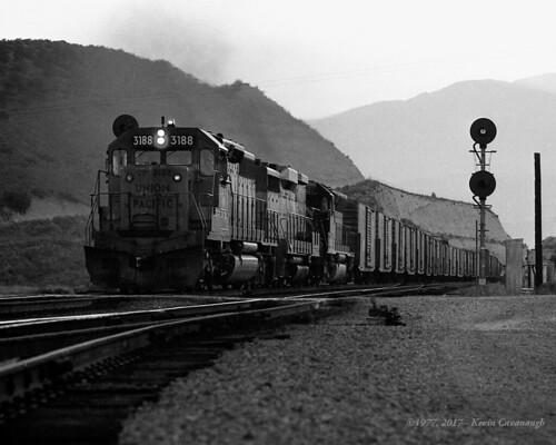 trains railroads unionpacific up locomotive emd sd402 gp30b sd45 cajonpass summit california