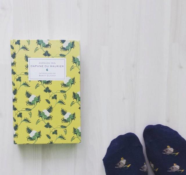I love Daphne du Maurier's books and plan on reading all of her works 💛 #booksforlife #bookishgirl #daphnedumaurier #jamaicainn #literaryfiction #gothicfiction #readingisthebest #bookishfeatures #bookishlove #readingtime