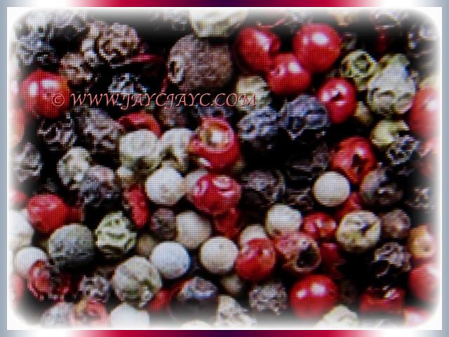 Colourful fruits of Piper nigrum