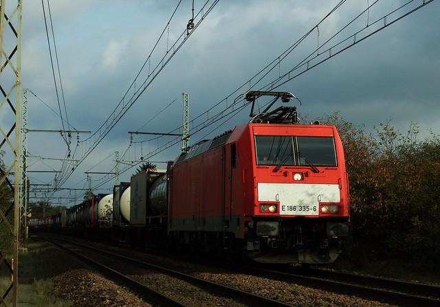 DB Traxx E 186 335-6 Amboise (37 Indre et Loire) 27-10-17a