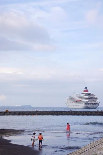 ito japan asia ship ocean sea water coast shizuoka august summer pentax landscape 伊東 静岡 海 船 日本 اليابان
