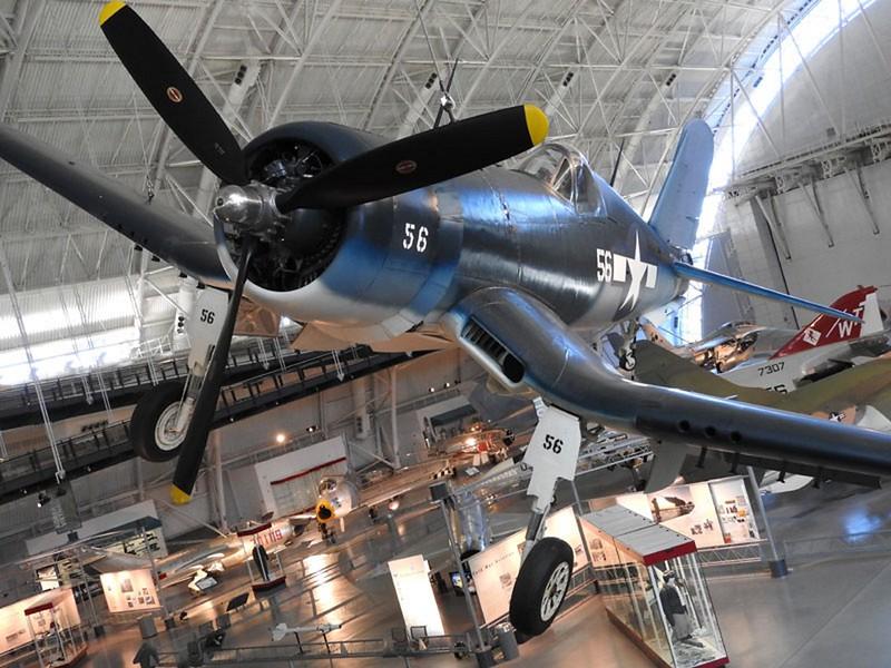 F4U-1 več Corsair 1