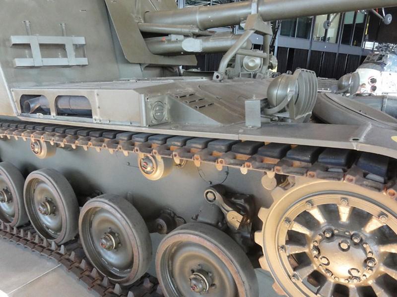 AMX 13 PRA Howitzer 2
