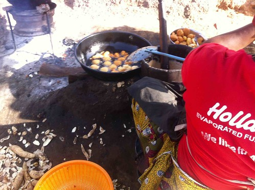 womanfryingakarainzuba fct nigeria jujufilms cooking streetfood