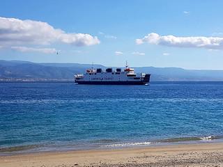 Nave traghetto Tremestieri
