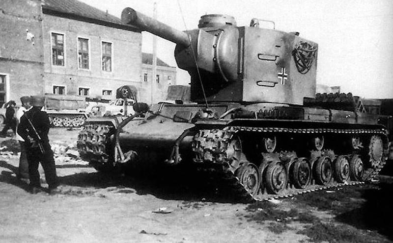 KV-2 在德国服务