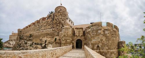 Puerta Santiago y Bateria Real