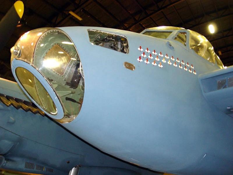 DeHavilland DH-98 Mosquito 4