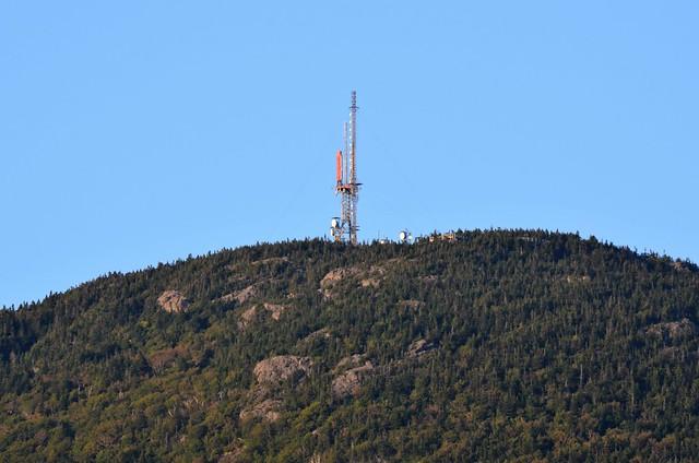 La Tour et Antennes De Télécommunications Au Sommet Du Mont Orford. 2017 08 30 18:46