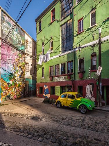 valparaiso chile color graffiti urbanview street calle cityscape ciudad cidade city unescoworldheritage unesco car coche