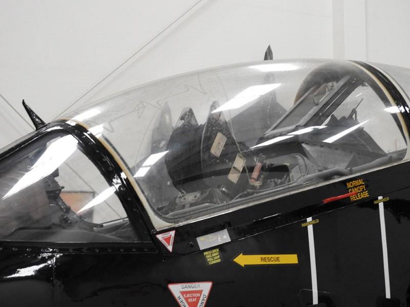 Harrier T.4 trainer 3