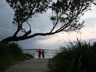 Kioloa, walk down to the beach..